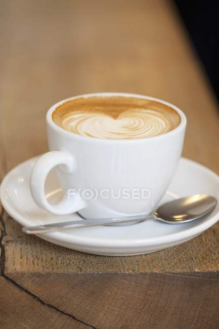 Cafe Latte in tazza bianca — Foto stock