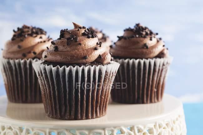 Cupcakes no carrinho do bolo — Fotografia de Stock