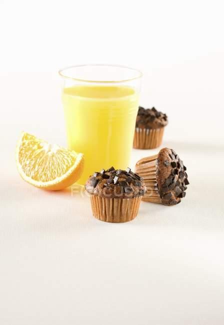 Muffin con granelli di cioccolato — Foto stock