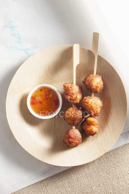 Polpette di pesce con salsa agrodolce — Foto stock