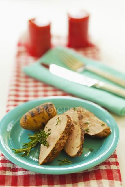 Fettine di maiale arrosto con rosmarino e timo — Foto stock
