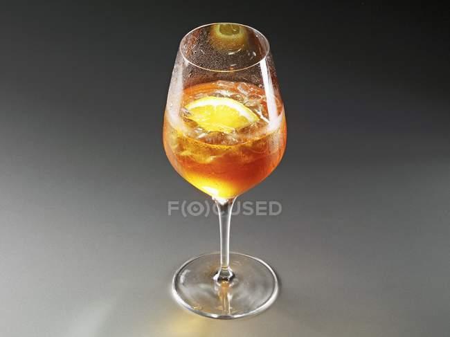 Glass of lemon iced tea — Stock Photo