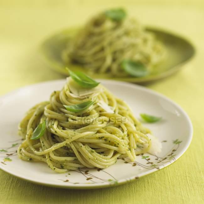 Spaghetti pasta with basil pesto — Stock Photo