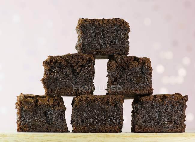 Brownies al forno fresco piramide — Foto stock