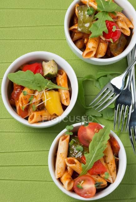Pasta penne con pomodori — Foto stock