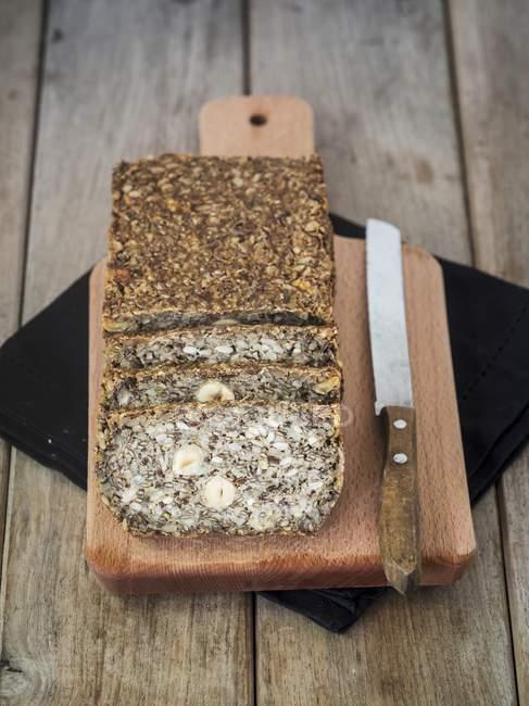 Pan sin harina con girasol - foto de stock