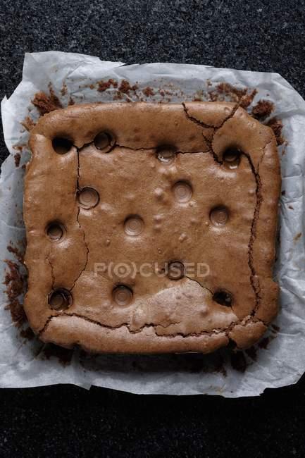 Appena sfornati brownie al cioccolato e caramello — Foto stock