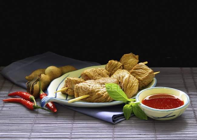 Говядины шампуры с перцем Чили — стоковое фото