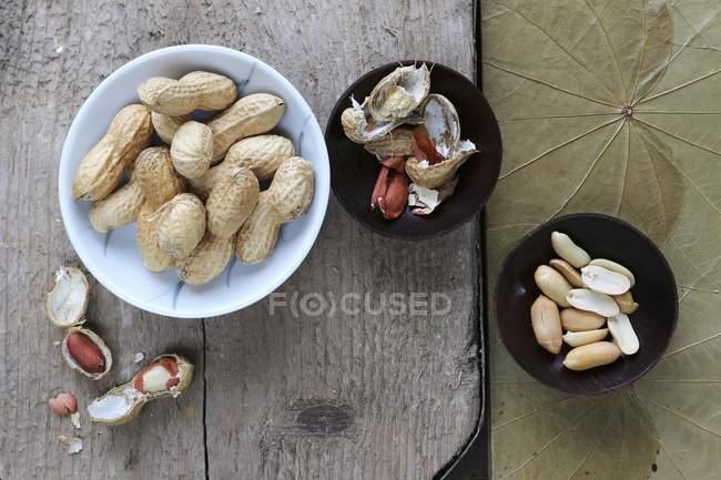 Cacahuates, pelados y sin cáscara - foto de stock