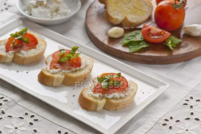 Crostini с сыром — стоковое фото