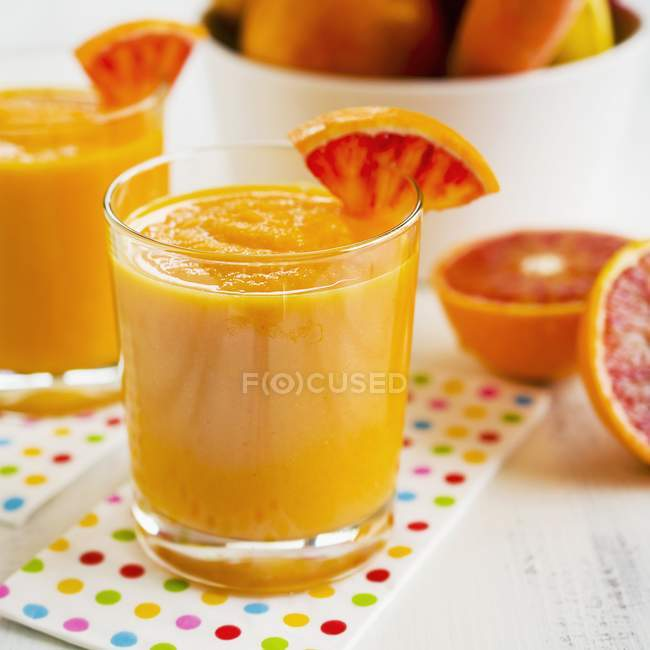 Smoothies made with orange — Stock Photo