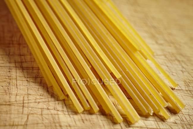 Uncooked spaghetti pasta — Stock Photo