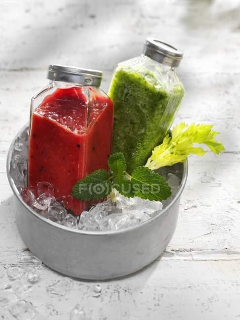 Wo smoothies diferentes — Fotografia de Stock