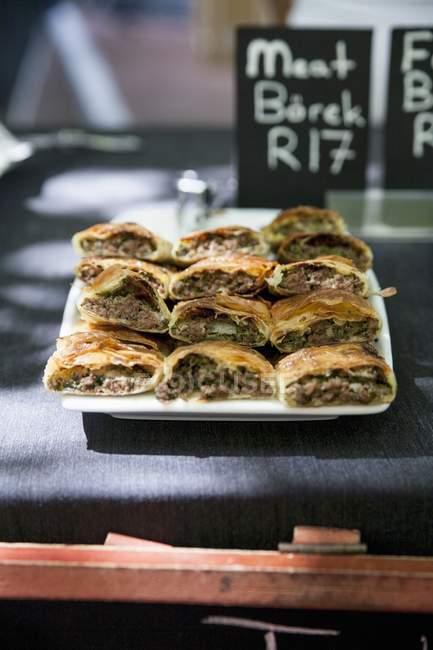 Борек наполнен мясом — Stock Photo