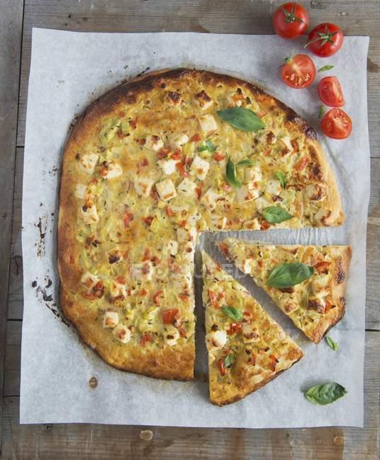 Courgette and feta pizza — Stock Photo