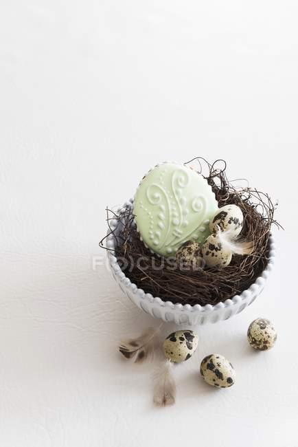 Ovos e biscoitos de Páscoa — Fotografia de Stock