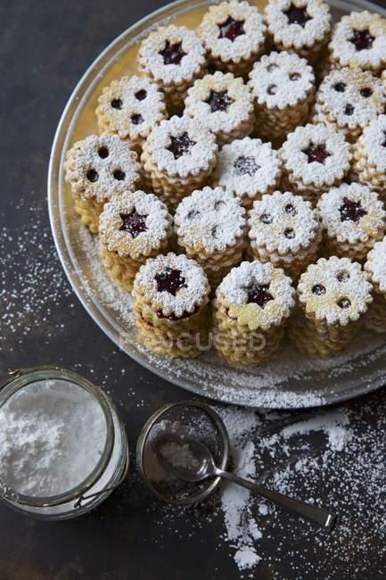 Jammy песочное печенье — стоковое фото