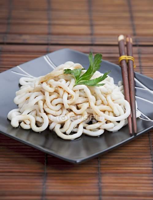Nouilles Udon à la sauce soja — Photo de stock