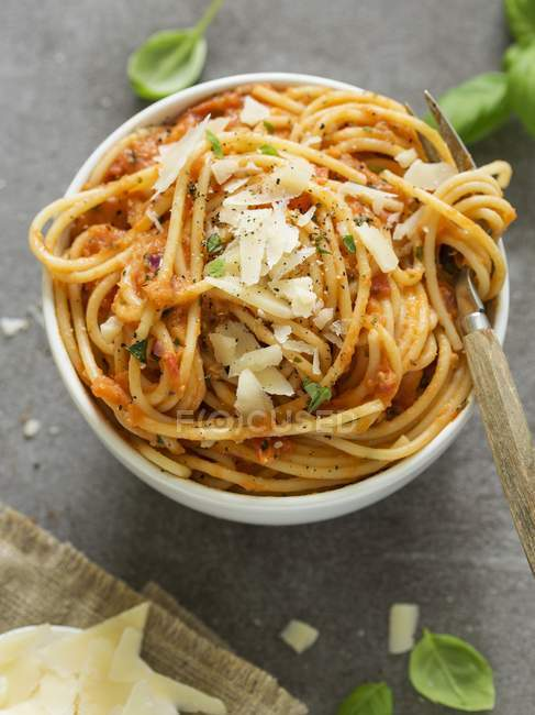 Pasta al pomodoro with tomato sauce — Stock Photo