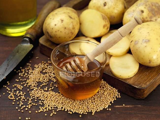 Zutaten für Kartoffelchips — Stockfoto
