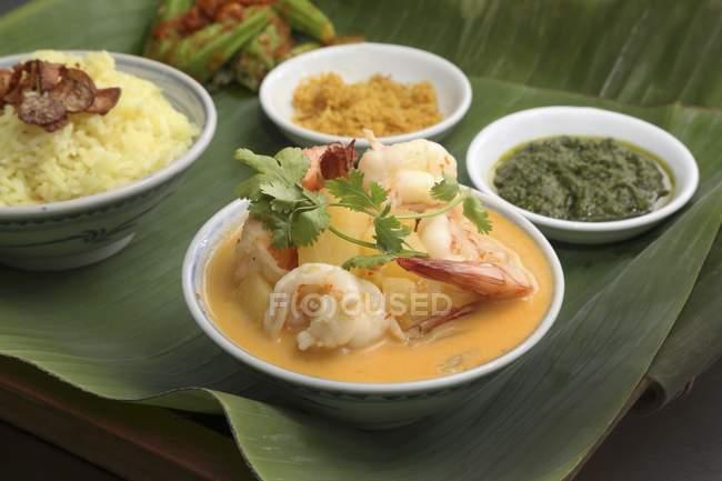 Curry de crevettes à l'ananas — Photo de stock