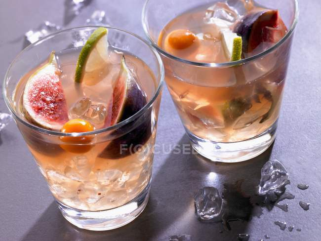 Fruity Christmas cocktails — Stock Photo