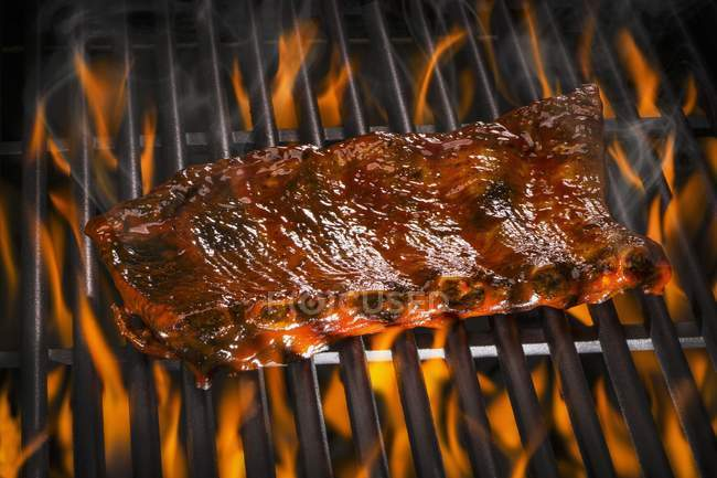Spare ribs on barbecue — Stock Photo