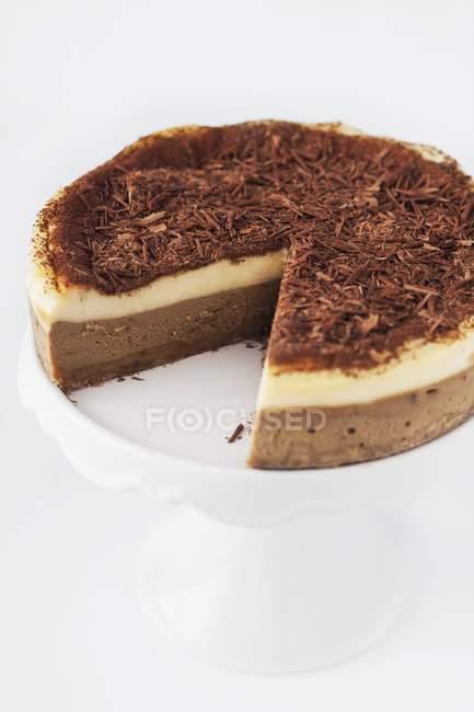 Cheesecake de tiramisú en rodajas - foto de stock
