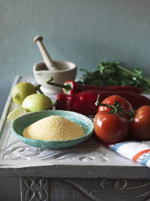 Ingredientes para el plato de cuscús - foto de stock