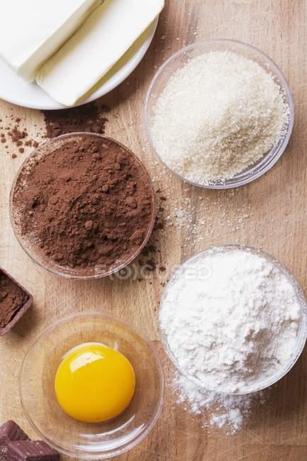Інгредієнти для шоколадні бісквіти — стокове фото