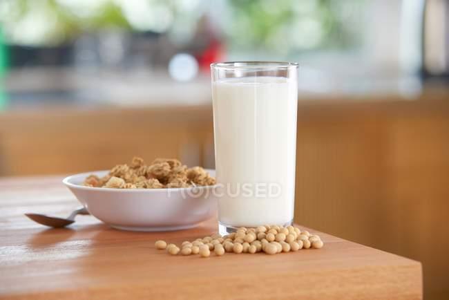Vetro di latte di soia — Foto stock
