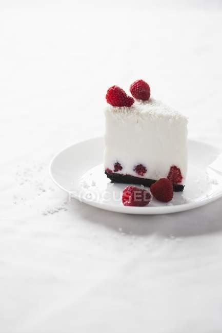 Cheesecake di cocco con lamponi — Foto stock
