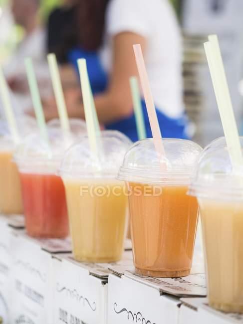 Diferentes tipos de suco — Fotografia de Stock