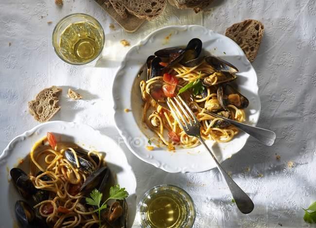 Spaghetti pasata with mussels — Stock Photo