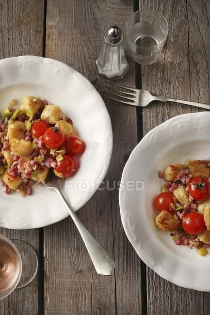 Gnocchi arrosto con pancetta — Foto stock