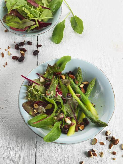Asparagus salad with nuts — Stock Photo