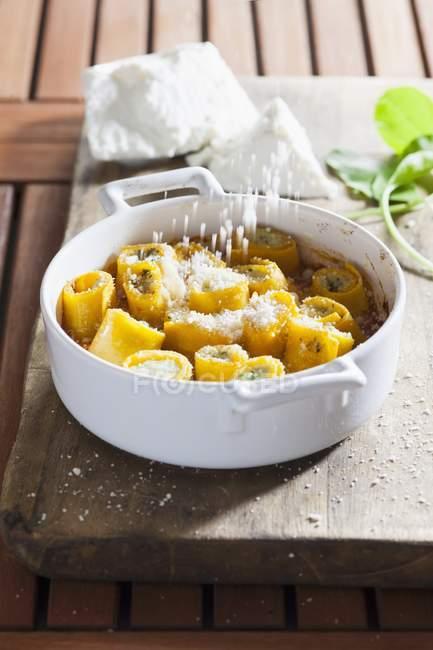 Paccheri ripieni di spinaci e ricotta — Foto stock