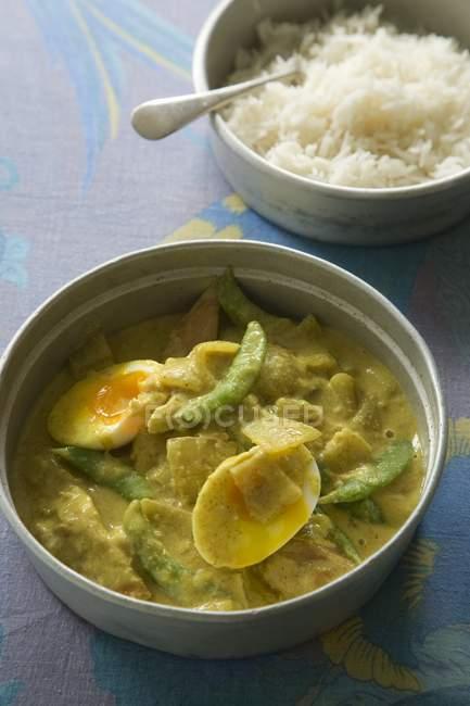 Kartoffel-Curry mit Reis — Stockfoto