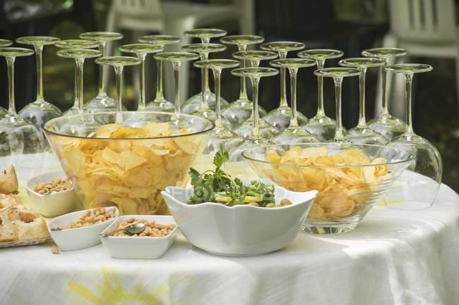 Apéro-Buffet mit Wein — Stockfoto