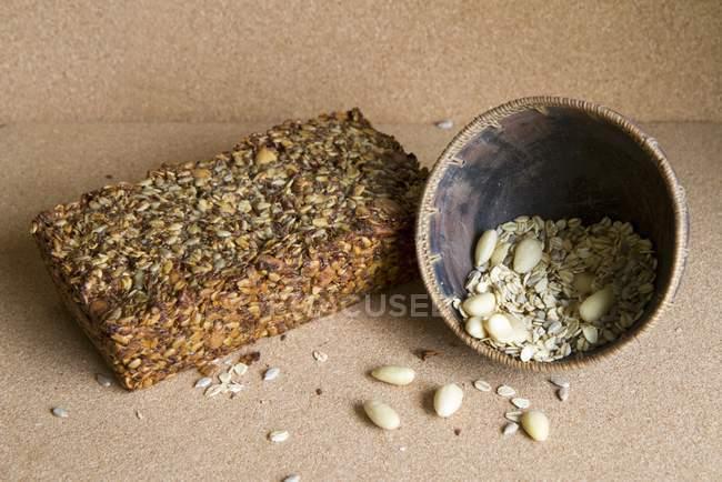 Домашнє зерно і хліб — стокове фото