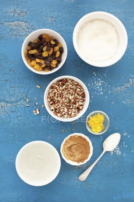 Ingrédients pour les petits gâteaux de carotte — Photo de stock