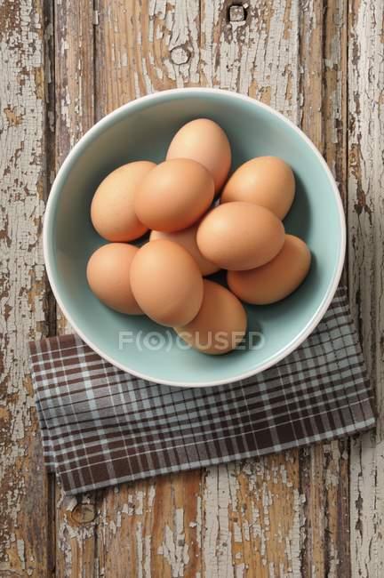 Bol d'œufs biologiques — Photo de stock