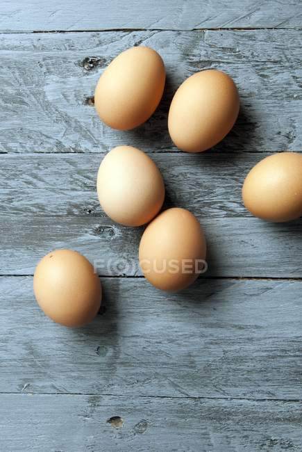 Organic brown eggs — Stock Photo