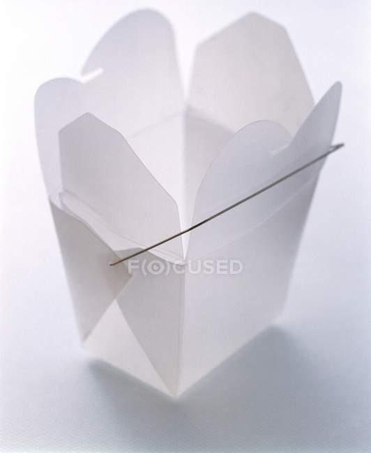 Closeup vista de recipiente de papel chinês para viagem — Fotografia de Stock