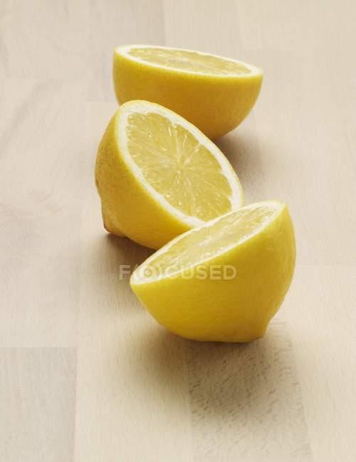 Frische Zitrone Hälften — Stockfoto
