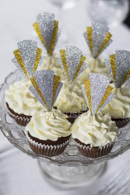 Muffins mit glitzernde dekoriert — Stockfoto