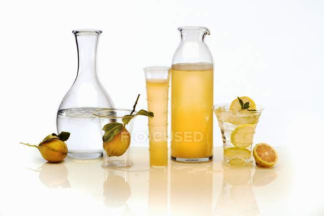 Lemon juice and water — Stock Photo
