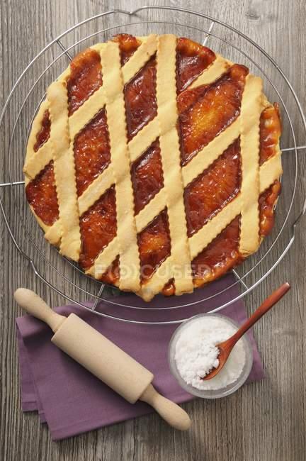 Crostata di albicocche con topping della grata — Foto stock
