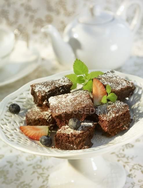 Кусочки шоколадного торта — стоковое фото