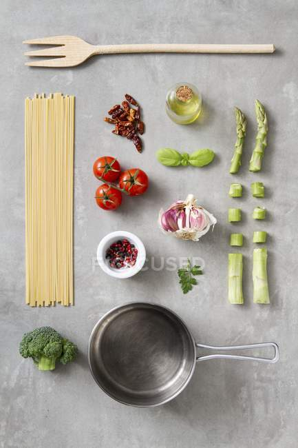 Arrangement of kitchen utensils and ingredients — Stock Photo